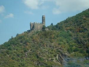 Eine Burg am Rhein